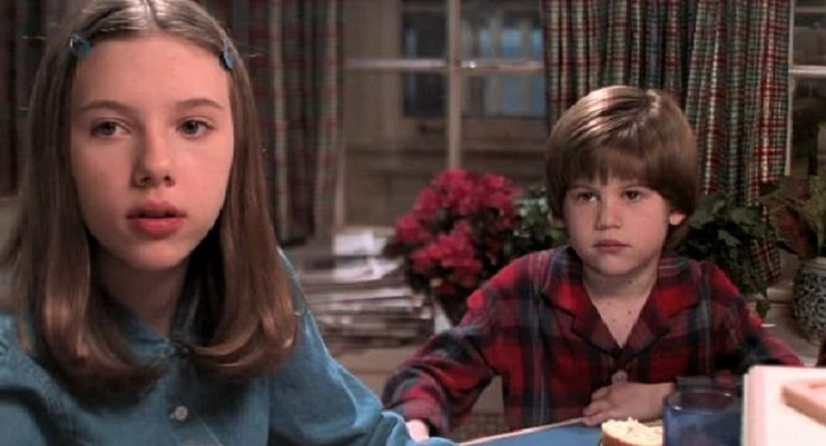 scarlett johansson as the sister in home alone 3